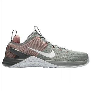 Women's Nike Metcon Flyknit shoes size 9